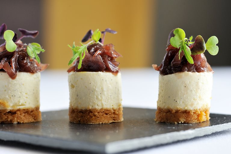 Goats 39 cheesecake recipe with red onion jam great for Cheese canape ideas