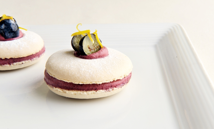 Blueberry and lemon macarons