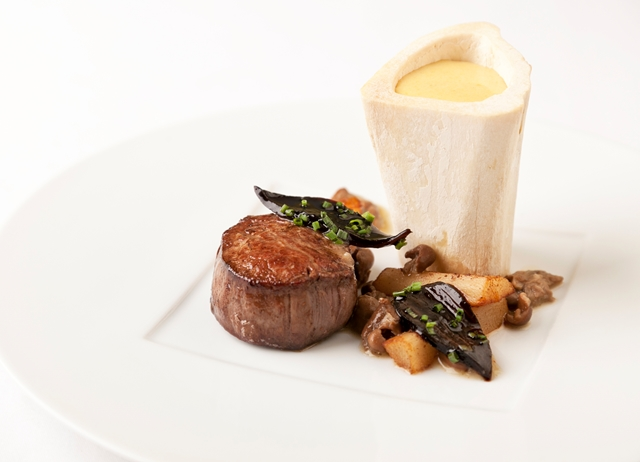Beef fillet with marrow bones, oyster sabayon and girolle mushrooms