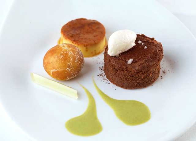 Salted chocolate délice with crème caramel and an apple fritter