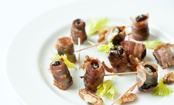 Top 5 easy canap s for christmas great british chefs for Some canape picks