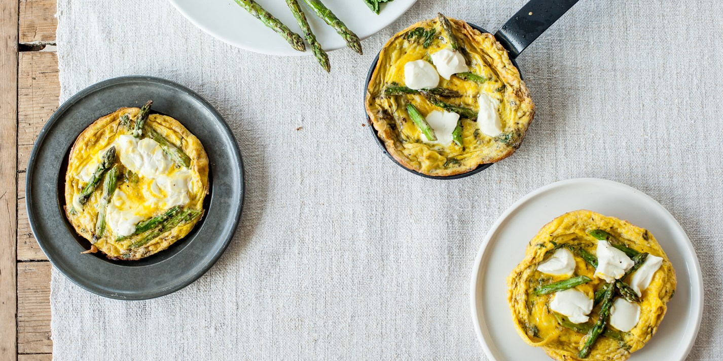Grilled asparagus, soft cheese and mint frittata