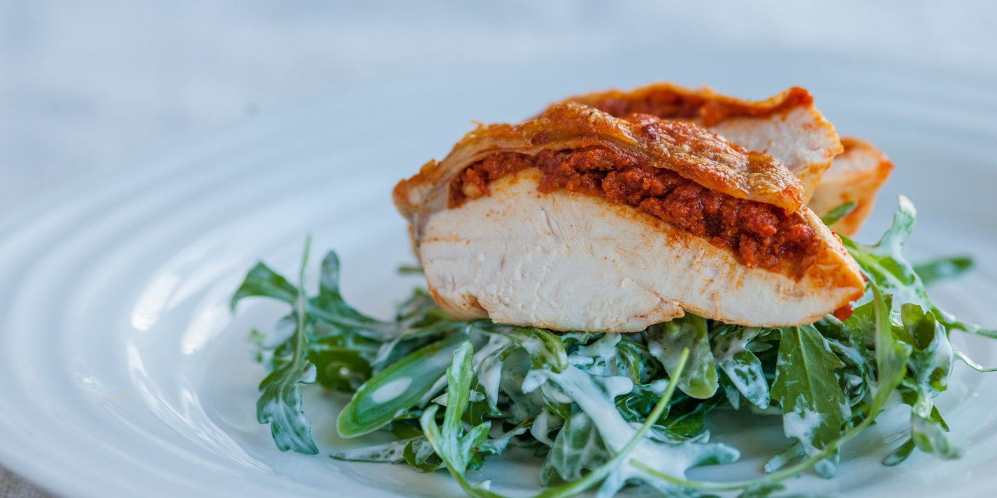 Chicken breast with 'nduja, rocket and green beans
