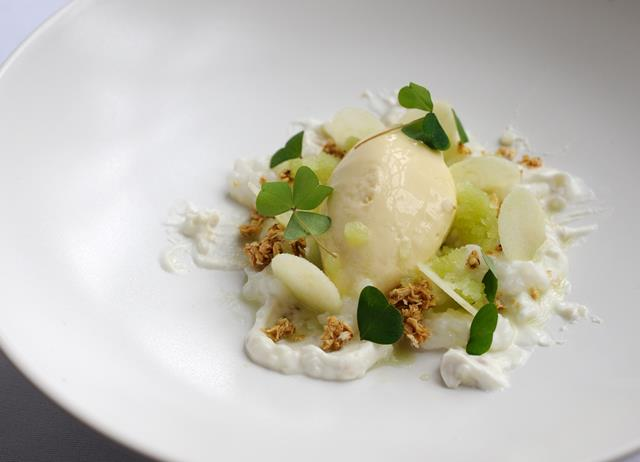 Goat's curd mousse, tapioca, oat crunch, and Granny Smith apple