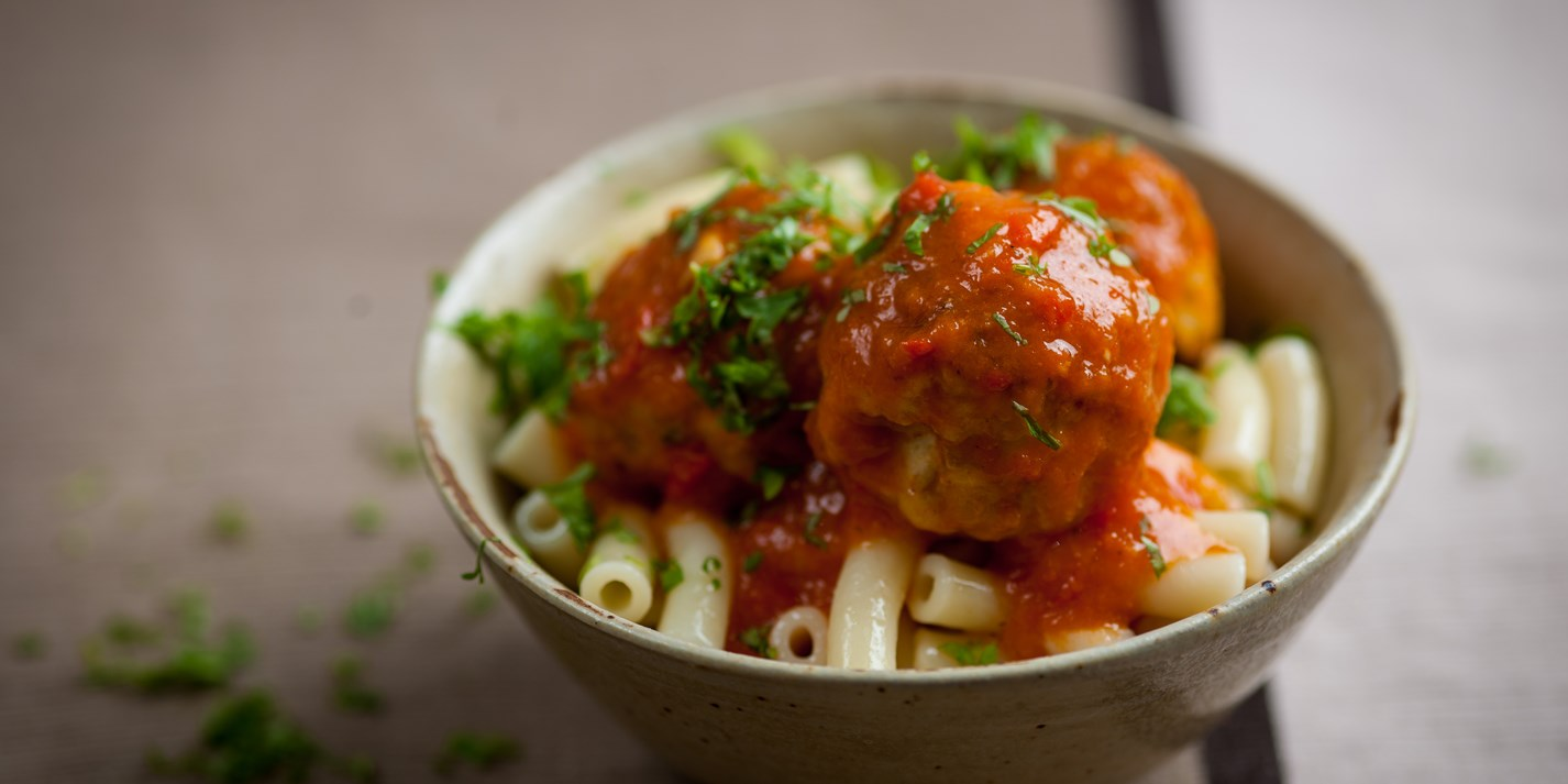 Turkey meatballs with pepper sauce