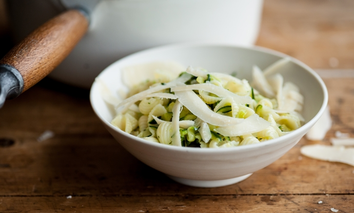 Pasta with courgette and Parmesan