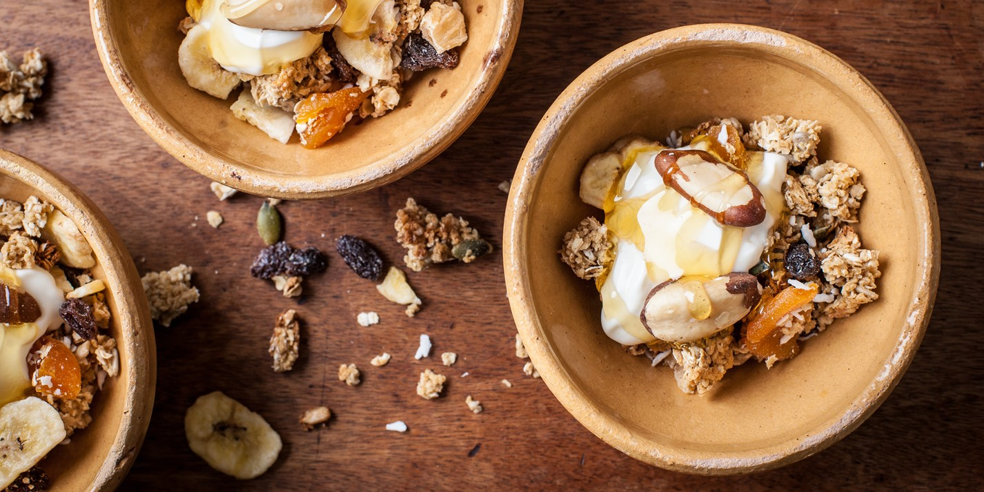 Crunchy fruit granola recipe