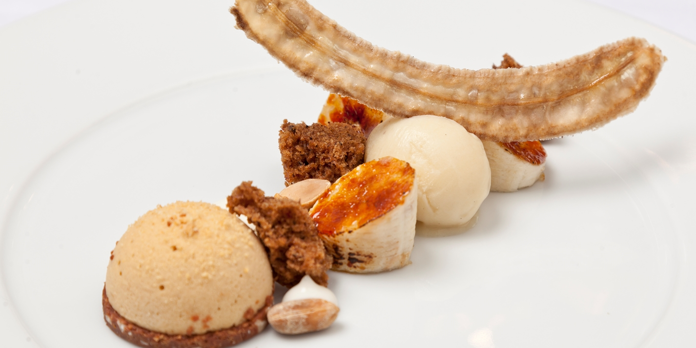 Peanut, caramelised banana, sorbet and banana cake