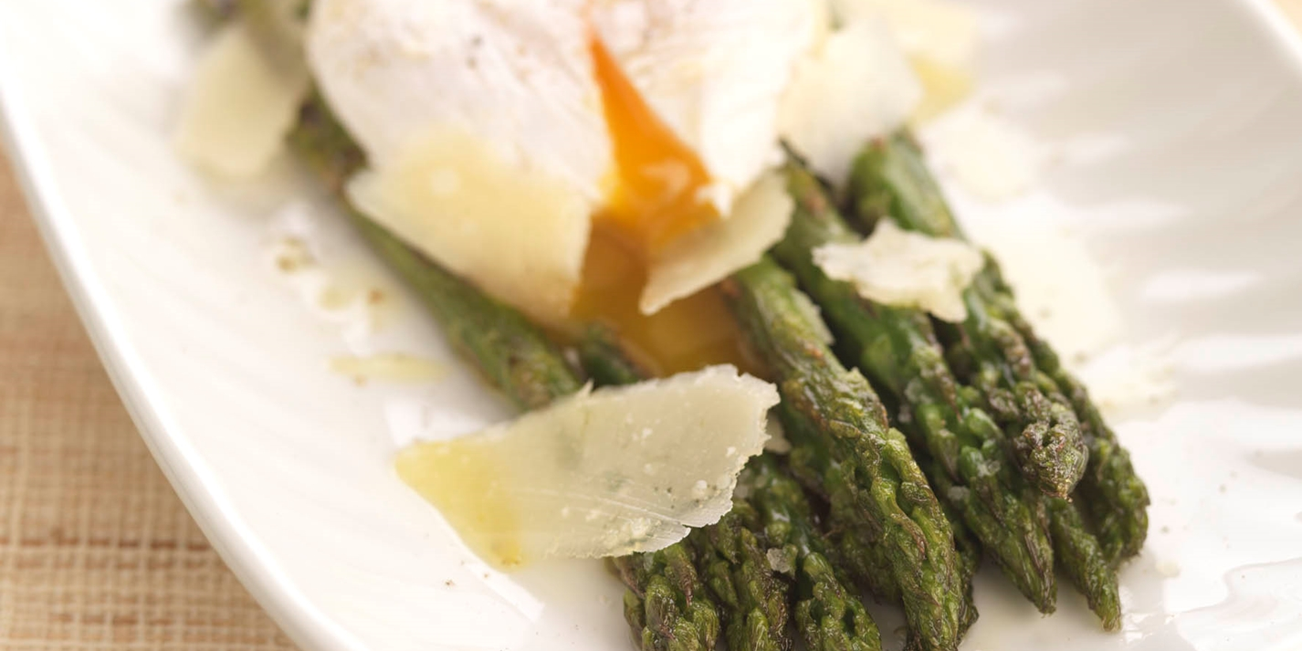 Grilled asparagus with soft poached egg, balsamic and parmesan