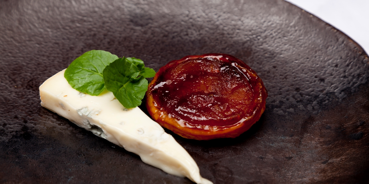 Pear tarte tatin with Gorgonzola