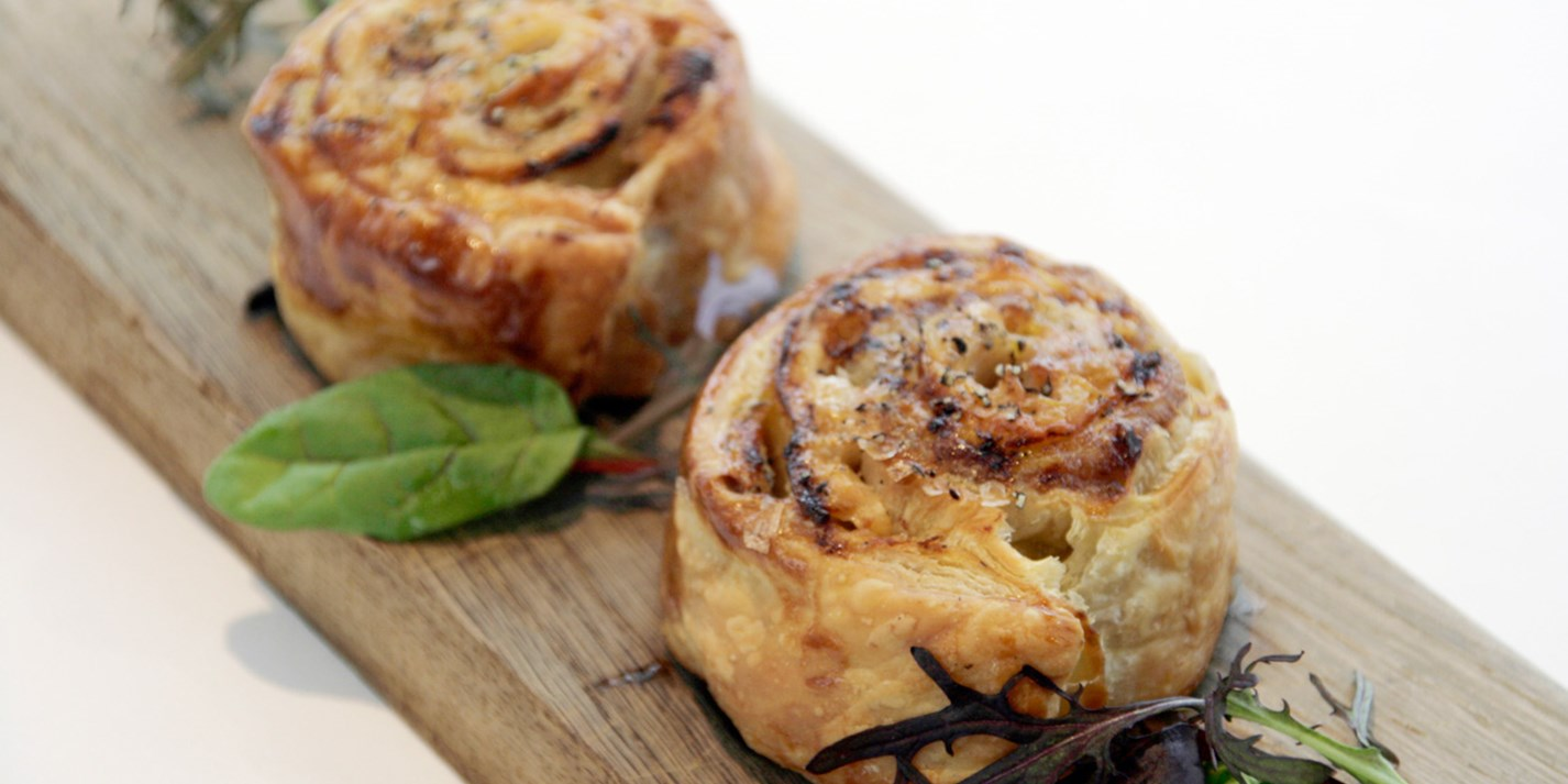 Smoky eel puff pastries with pork belly, Emmental and apple