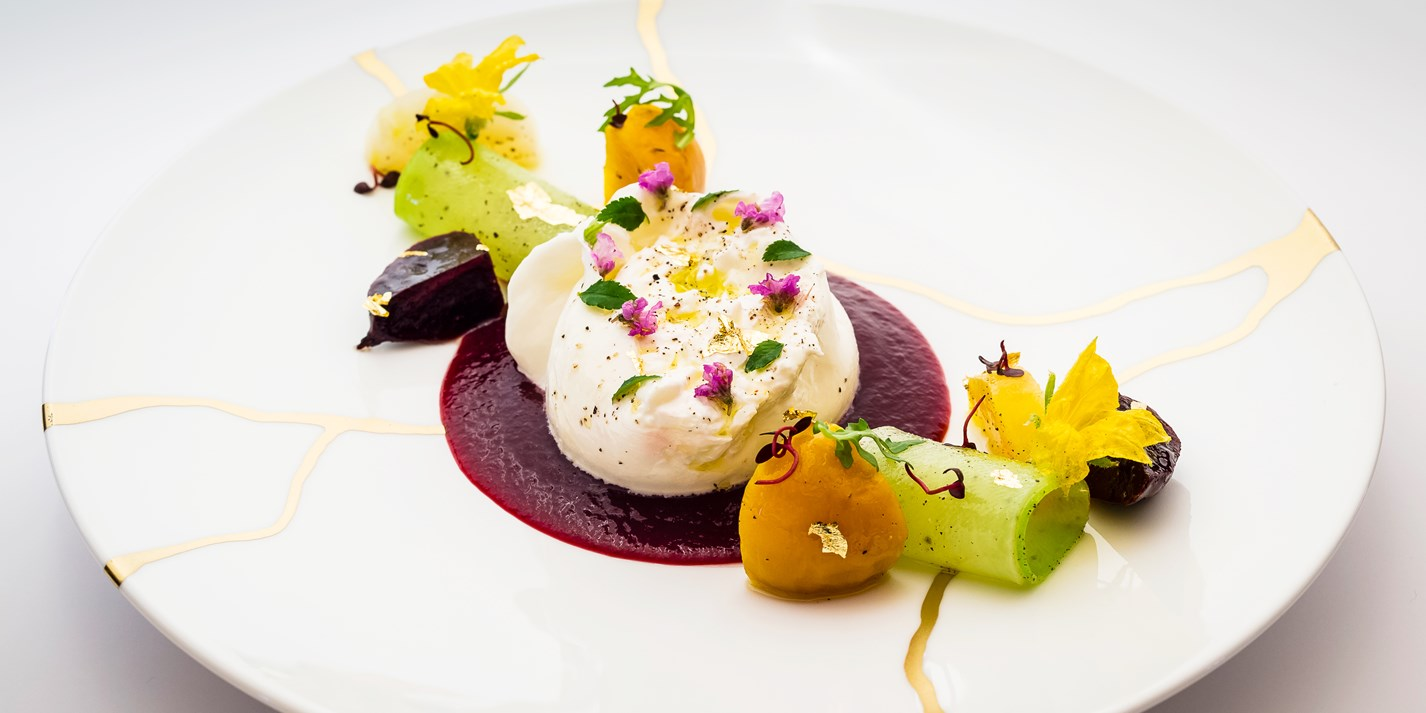 Burrata salad with beetroot and radishes