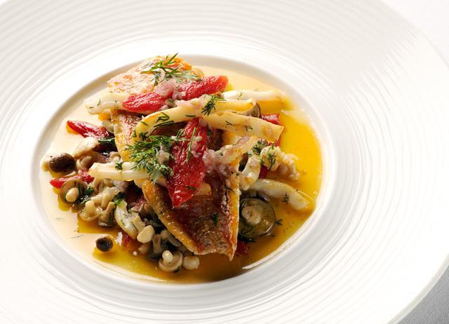 Red mullet and squid with oven-dried tomatoes, wild fennel and pickled mushrooms