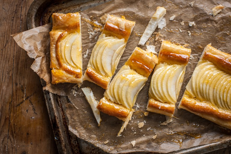Granny Smith and frangipane slice