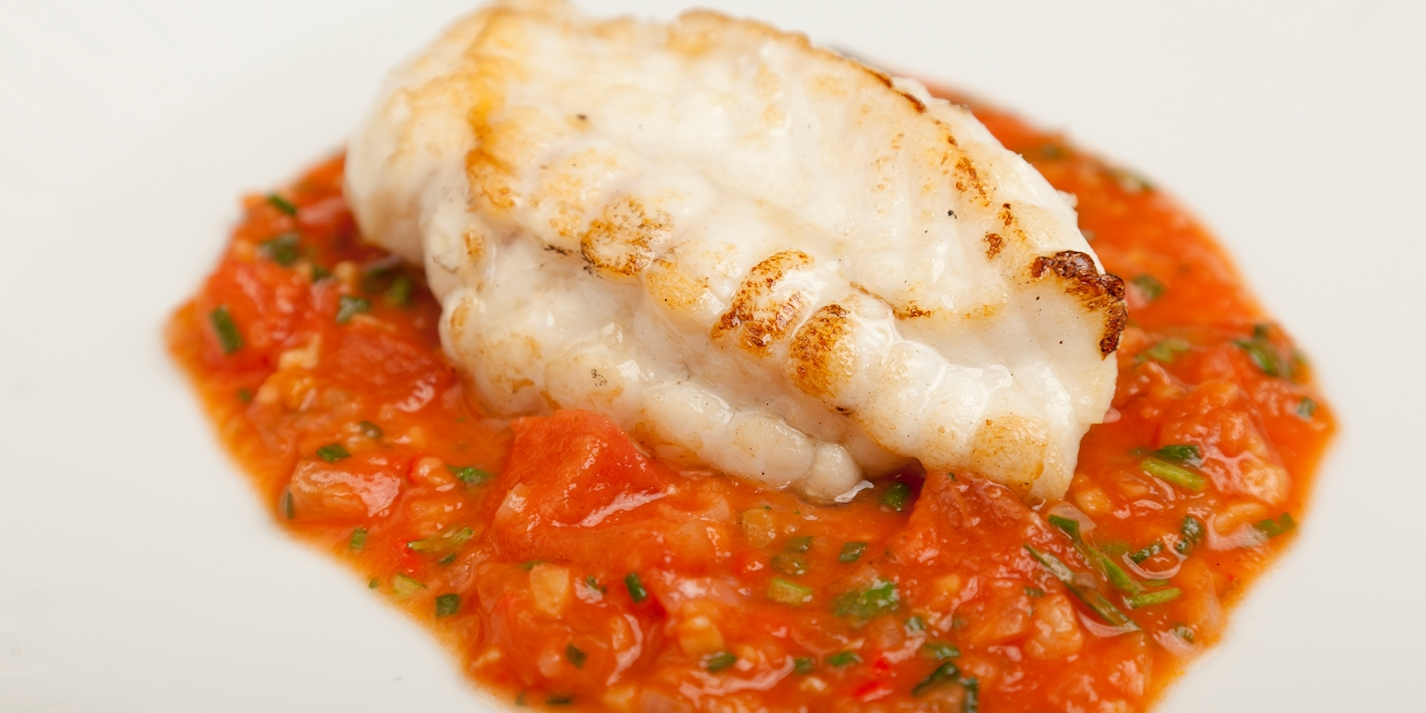 Monkfish with tomato, ginger and garlic