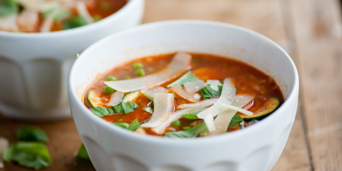 Minestrone soup with courgettes