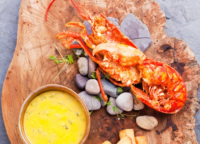 Lobster, triple-cooked chips and Béarnaise sauce