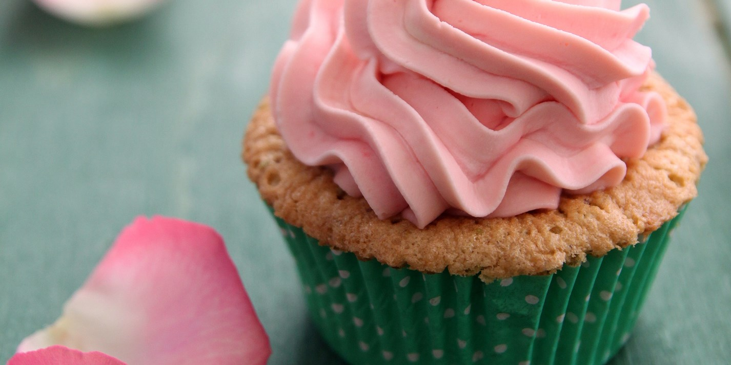 Rosewater pistachio cupcakes with mascarpone cream frosting