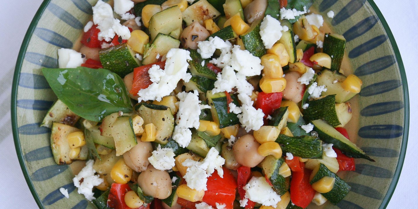 Chickpea salad with grilled vegetables