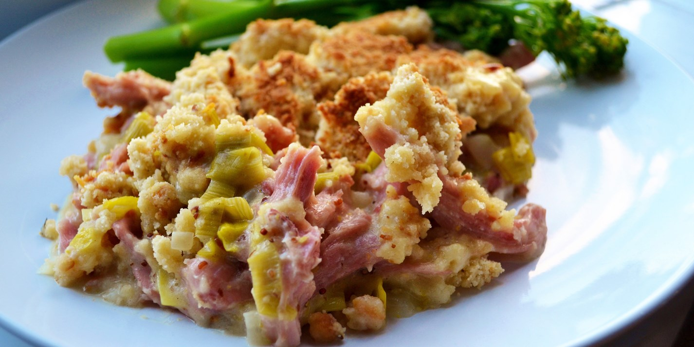Gammon and leek crumble