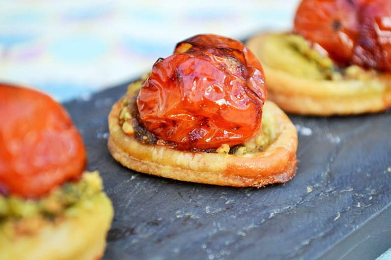 Balsamic tomato and pesto canapés