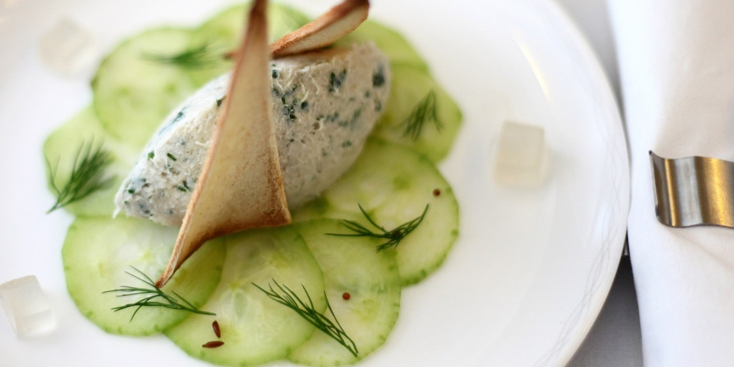 Mackerel pâté with cucumber pickle