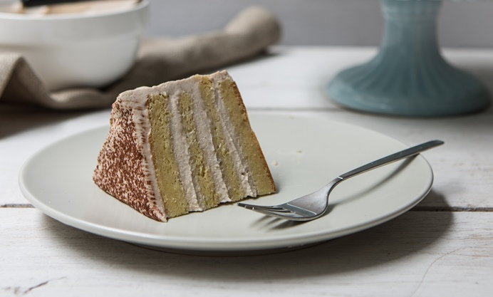 Coat the cake in a generous spreadings of the chestnut Mascarpone