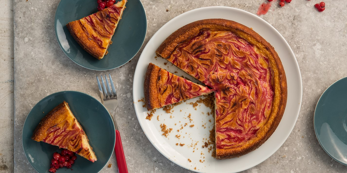 Redcurrant ripple baked cheesecake