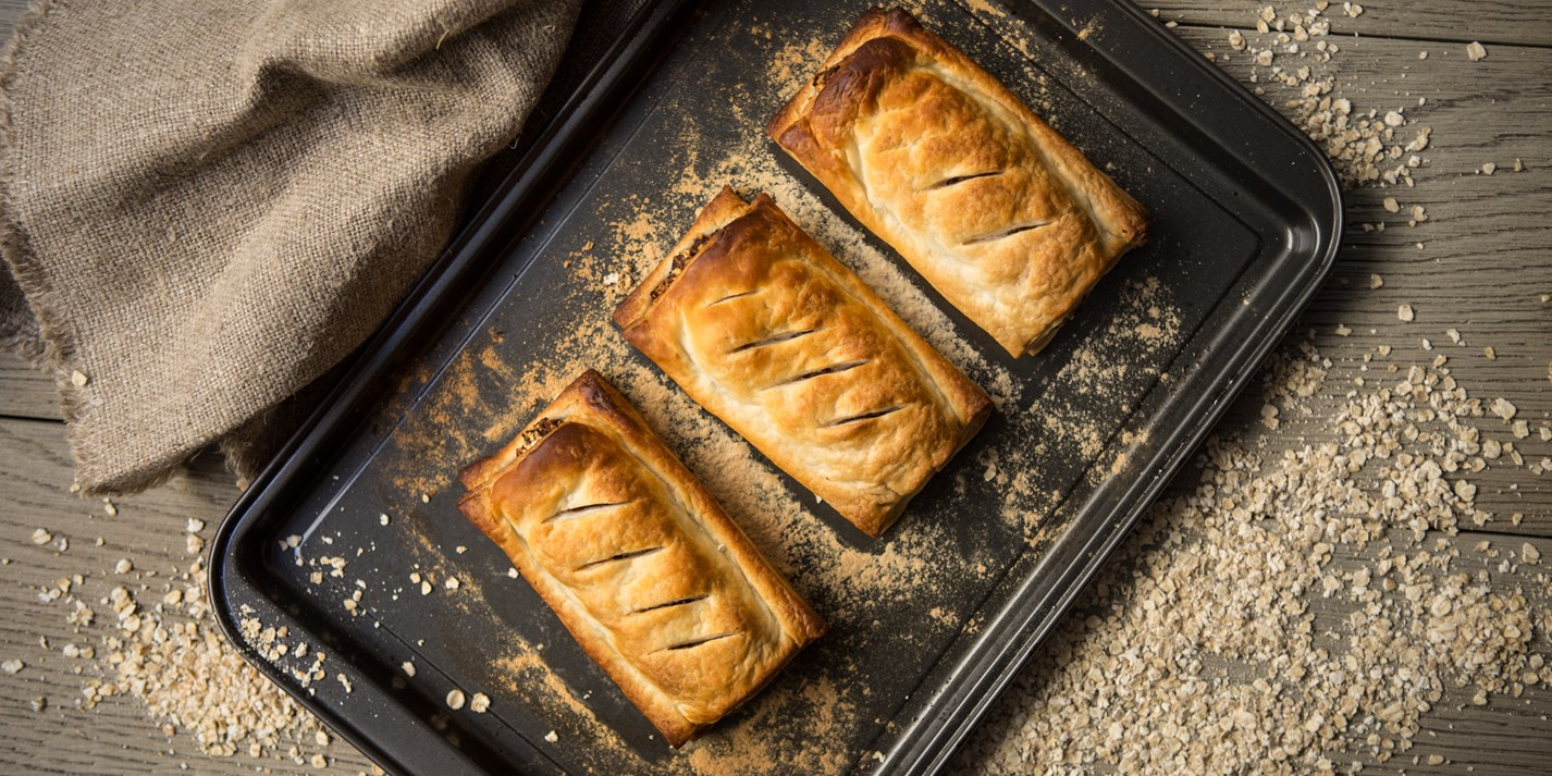 Spicy vegan sausage rolls