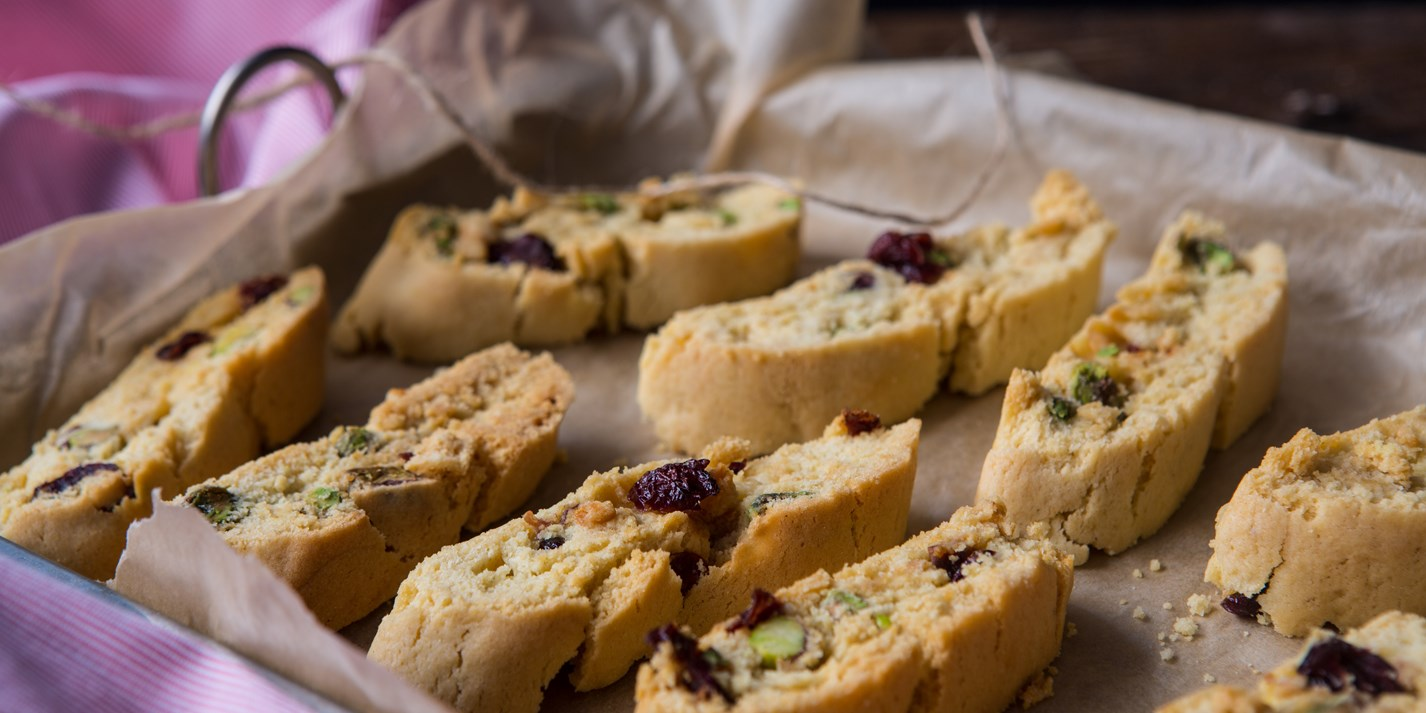 Cardamom, orange, cranberry and pistachio cantucci