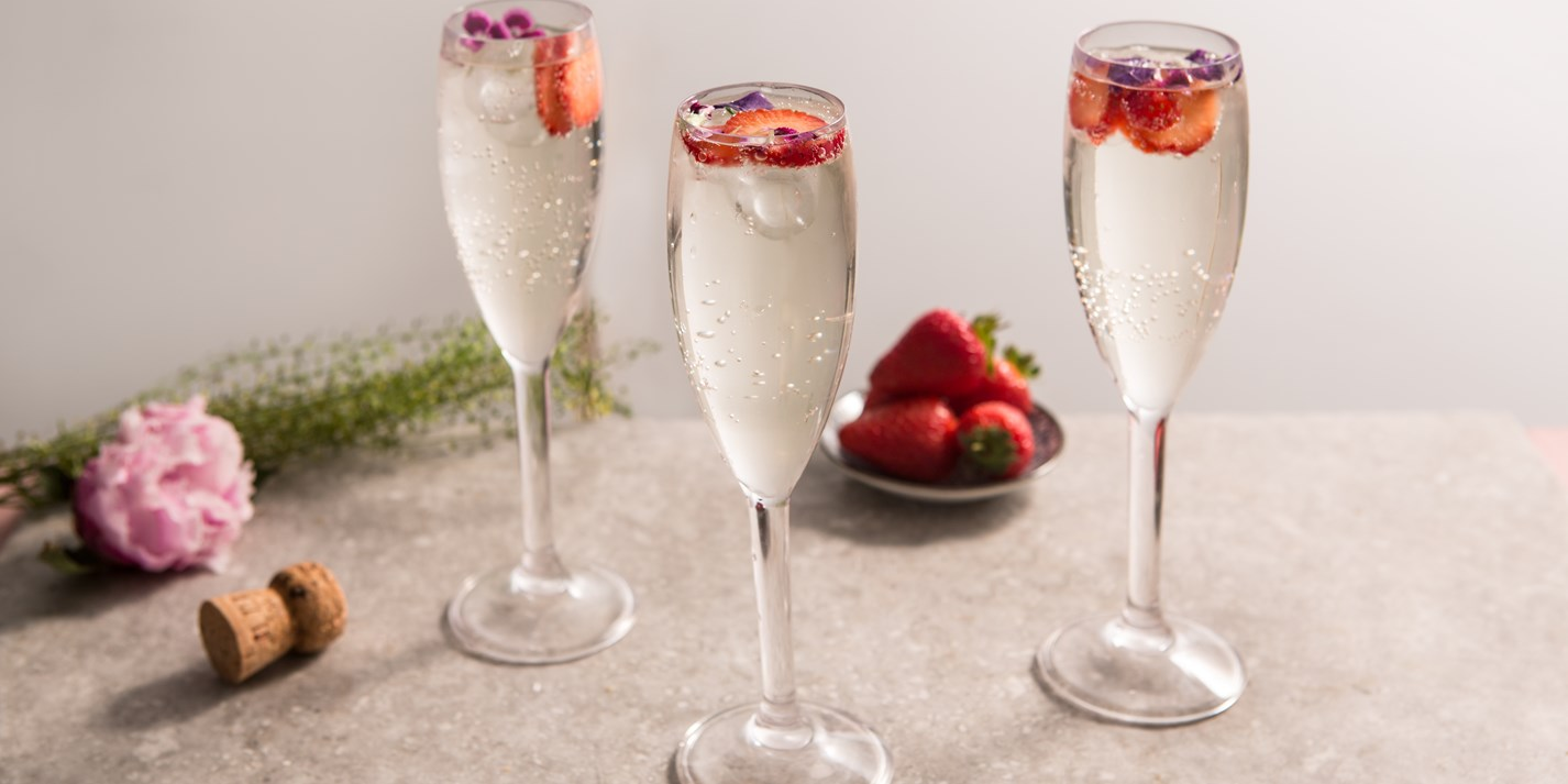 Elderflower Prosecco cocktail