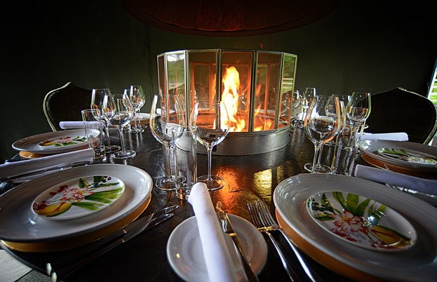 The table setting of the chef's table