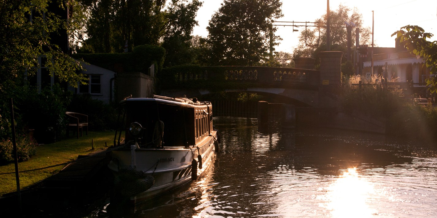 Packing, shopping and cooking on a canal boat holiday