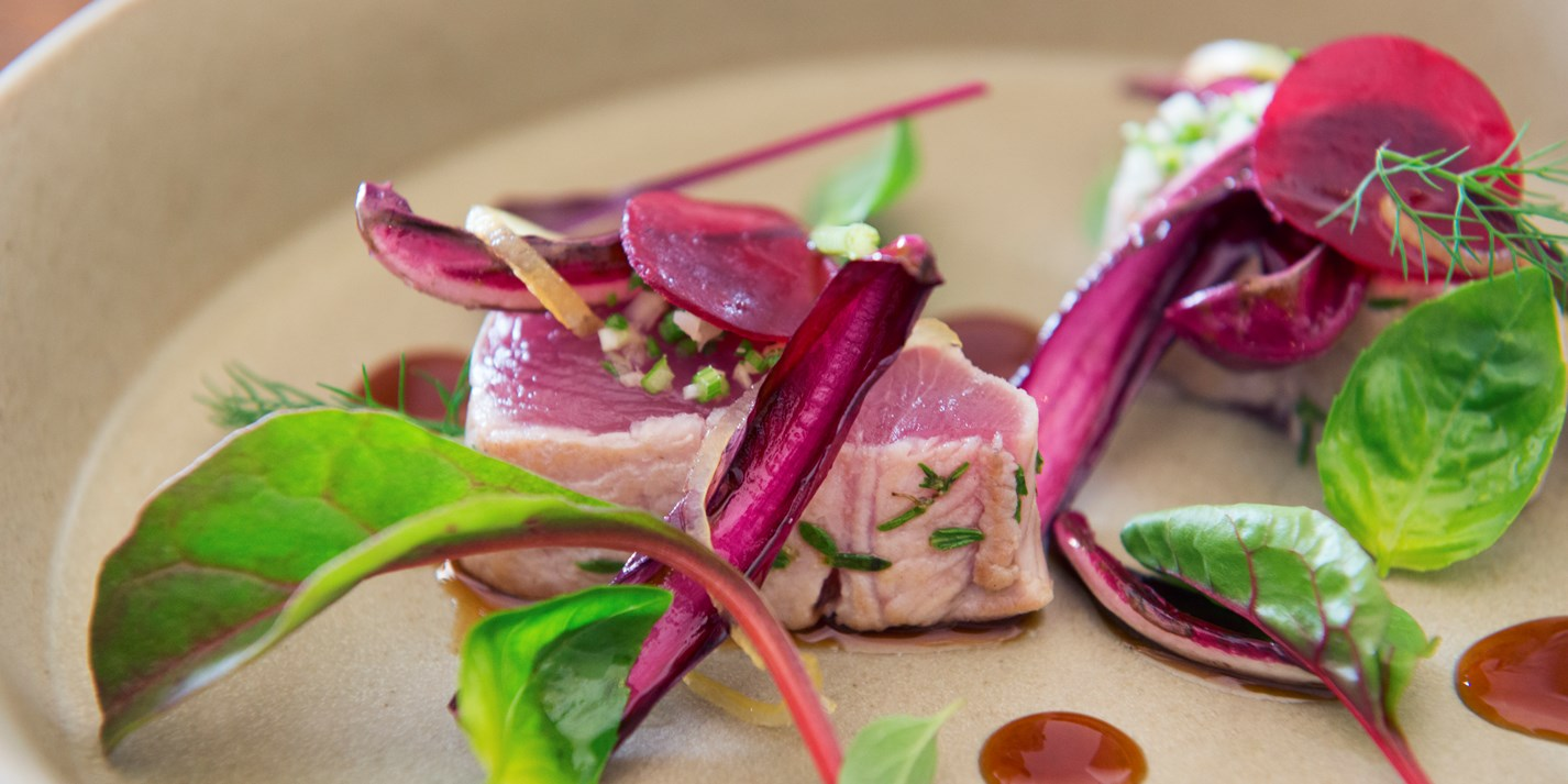 Bonito and radicchio with sweet and sour soy sauce