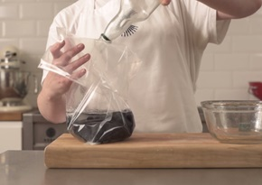 How to make sloe gin sous vide