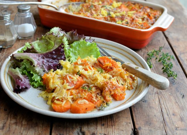 Pumpkin, almond and cheese rice bake