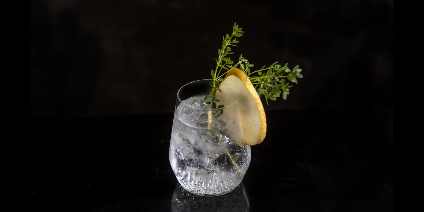Comice Pear infused gin and lemon thyme tonic