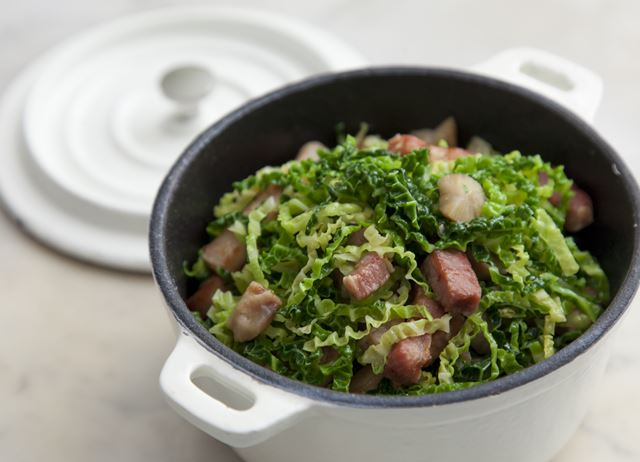 Cabbage with bacon and chestnuts