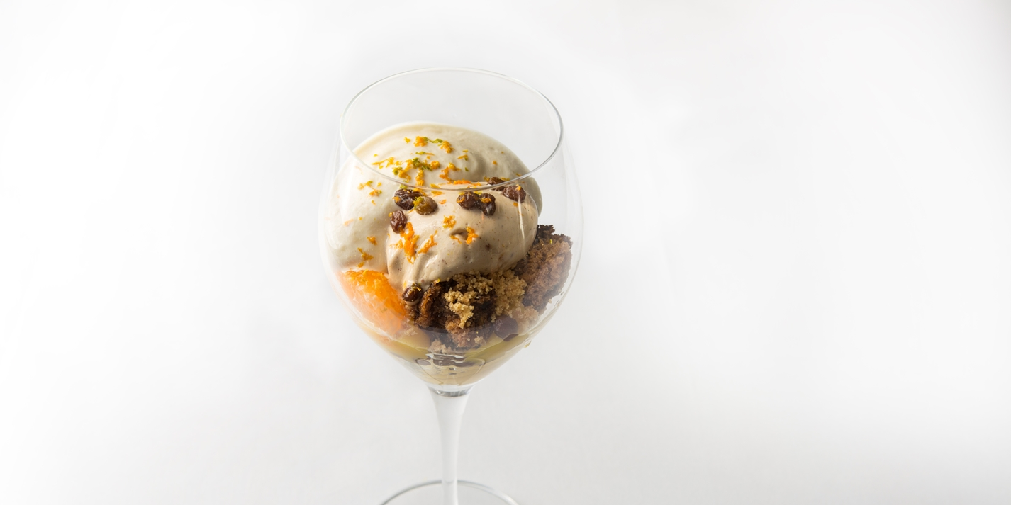 Christmas pudding sundae