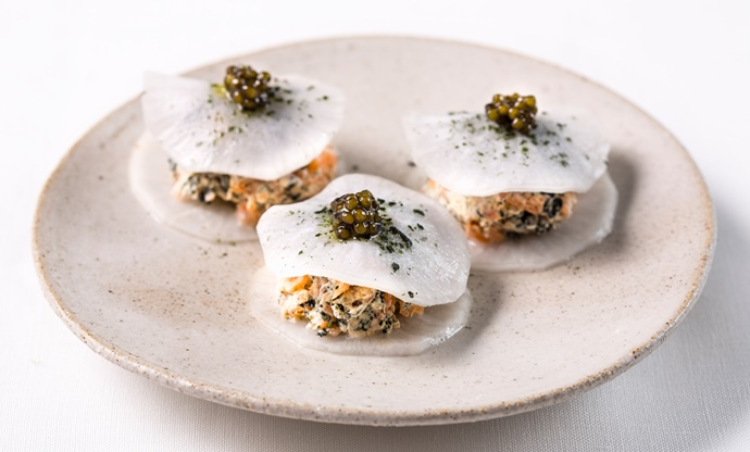 Smoked salmon, nori and turnip tacos recipe