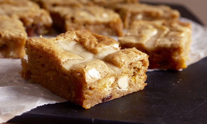 Hot cross blondies recipe