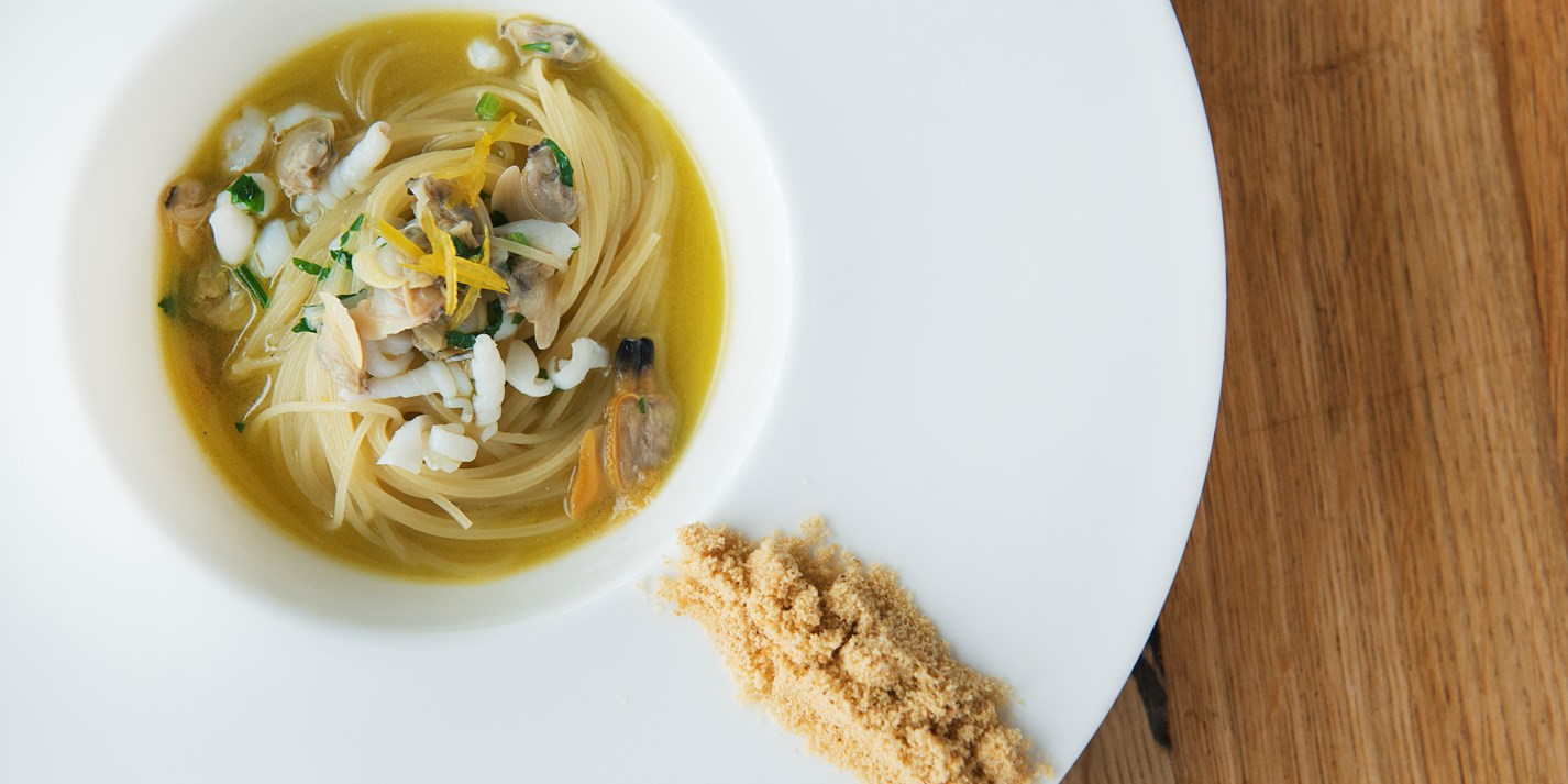 'Super' – spaghettini with squid and candied lemon