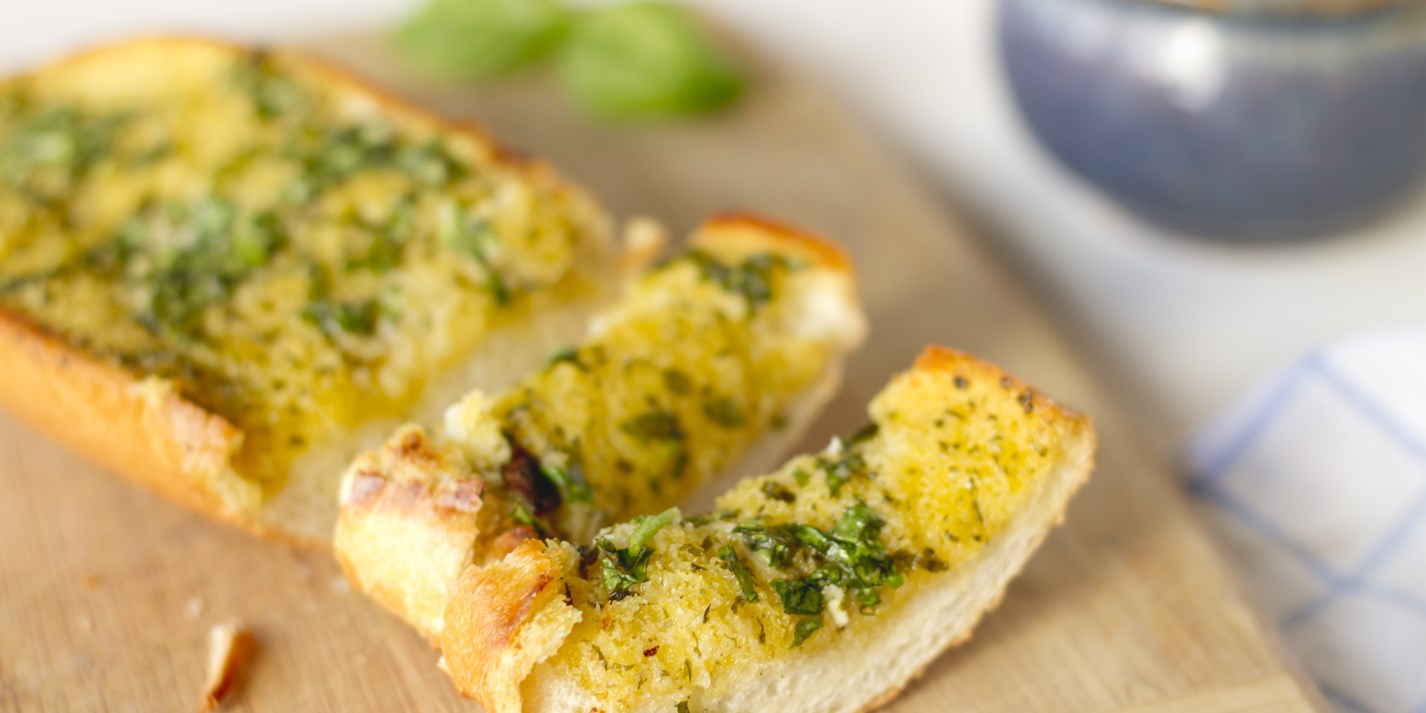 How to make garlic bread