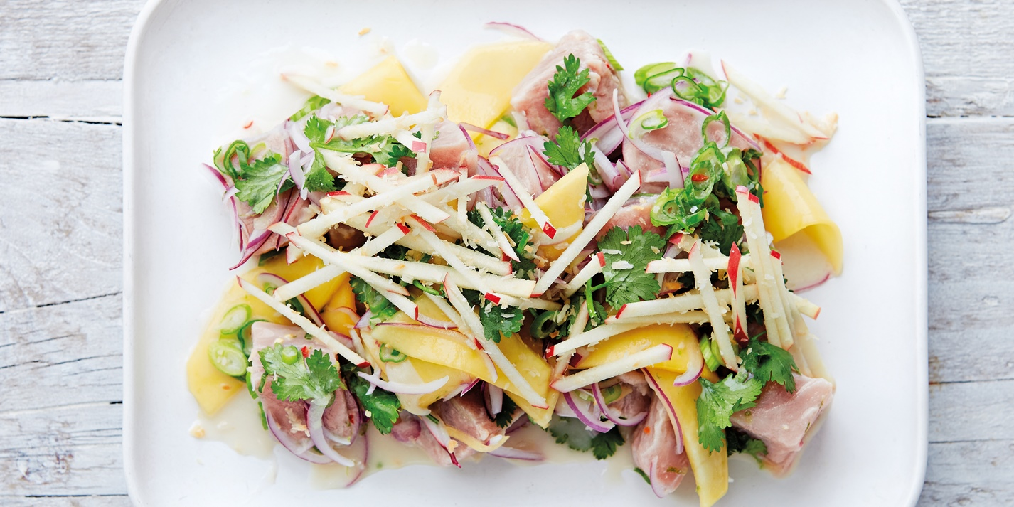 Tuna with coconut, chilli, mango, apple and lime