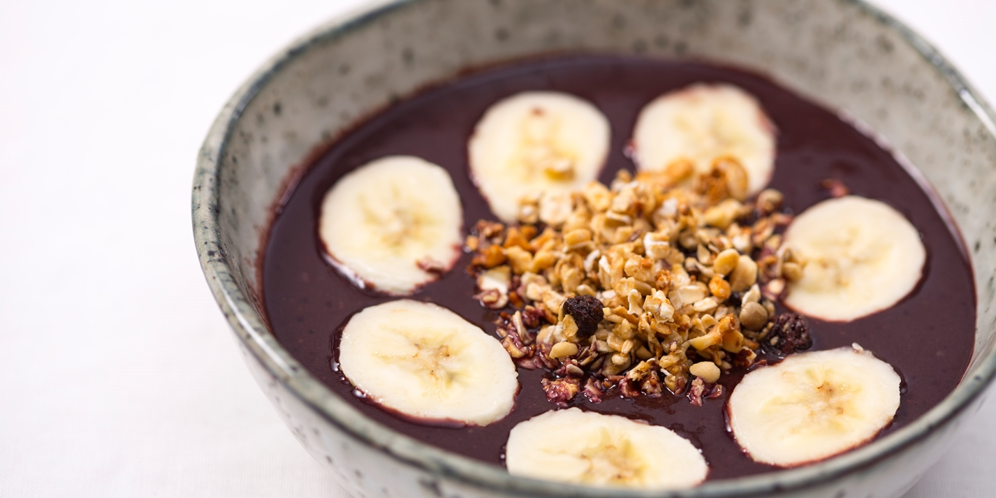 Acai breakfast bowl