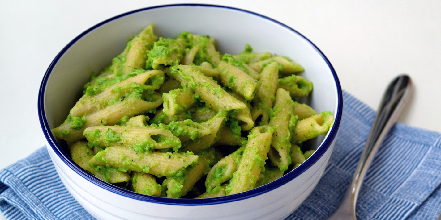 Pea pesto with wholewheat penne rigate