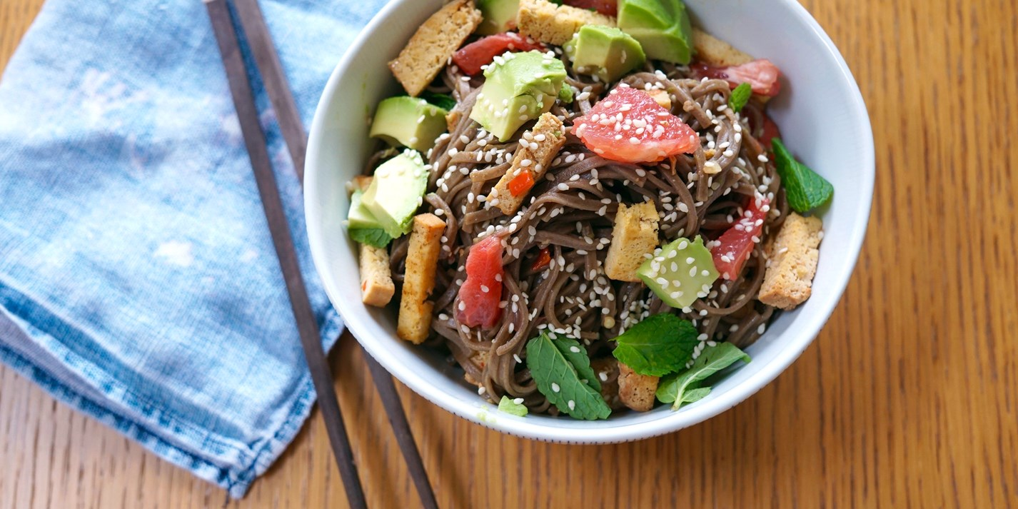 Smoked tofu stir-fry with soba noodles, avocado and grapefruit