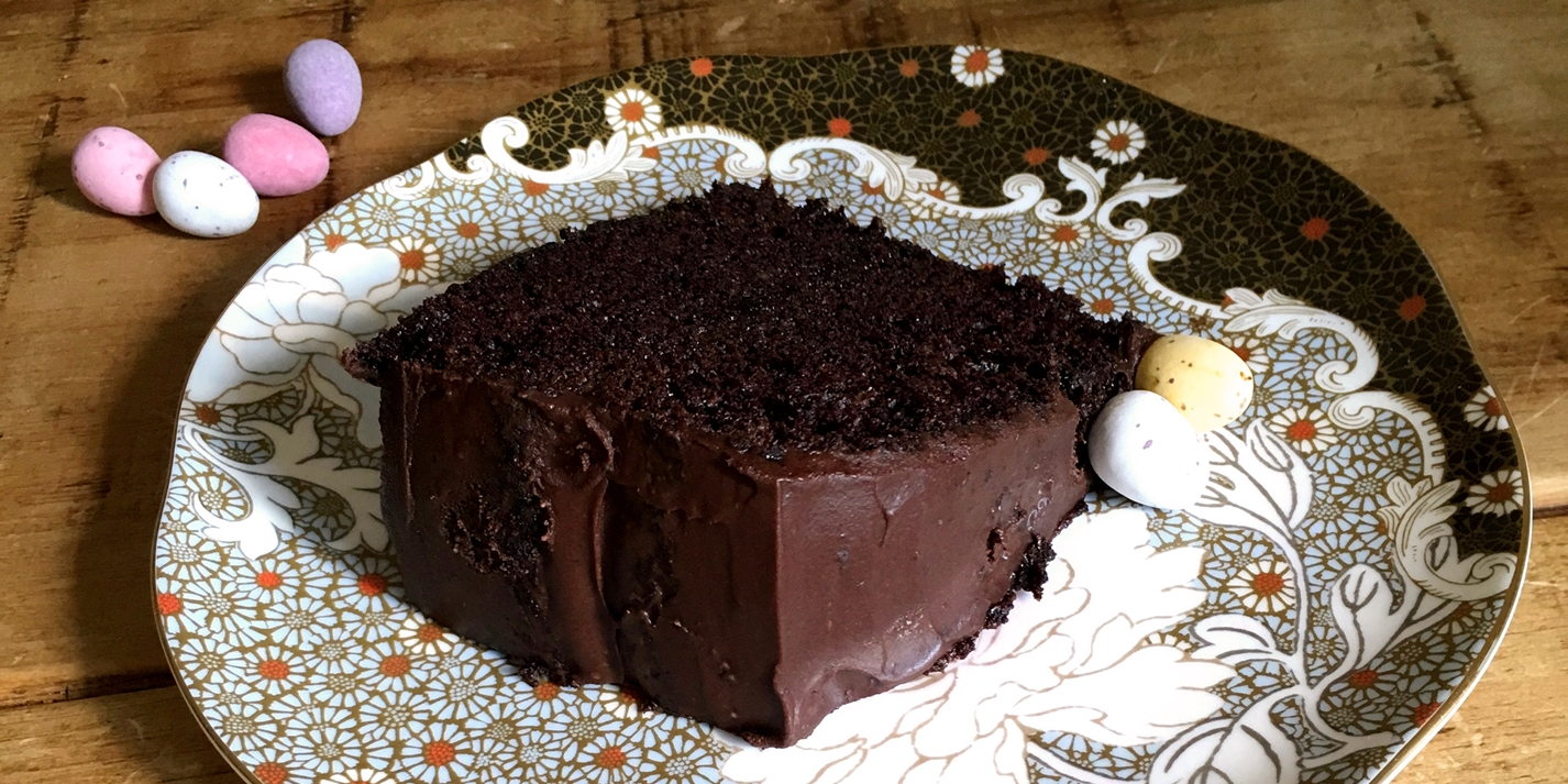 One-bowl chocolate Easter cake