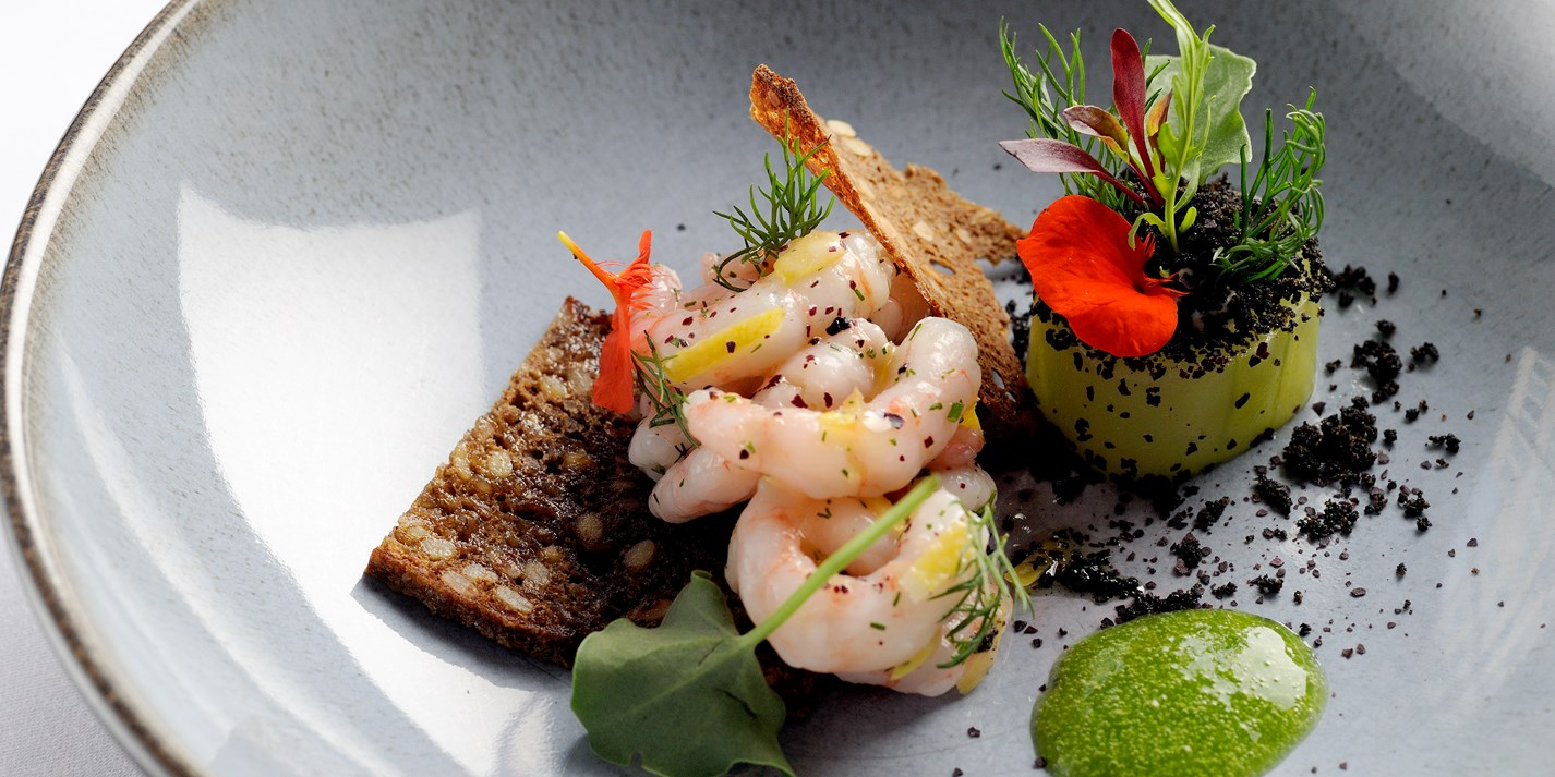Prawns with sorrel, cucumber and rye bread