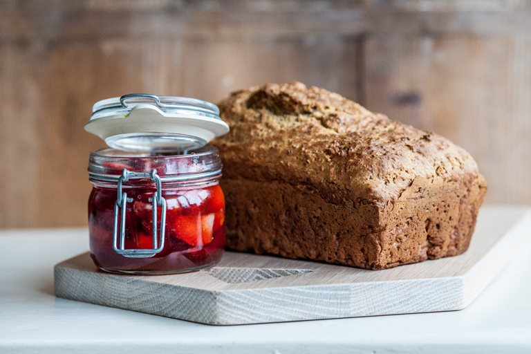 "Wholemeal soda bread with ""no cook"" strawberry jam"